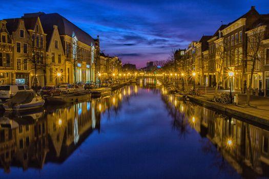 Фото бесплатно город, ночь, водный путь