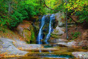 Бесплатные фото Widow s Creek Falls,Stone Mountain State Park,North Carolina,водопад,лес,скалы,деревья