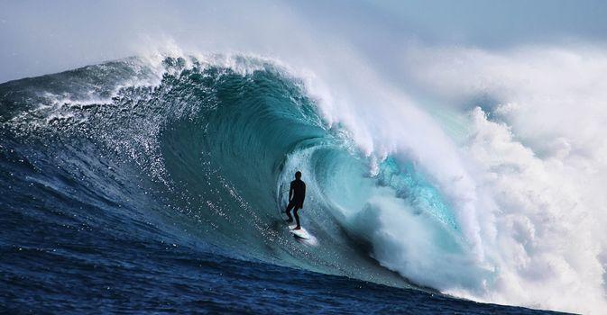 Фото бесплатно океан, море, прибой, серфинг, волны, отдых, на гребне волны, волна, серфингист, активный отдых