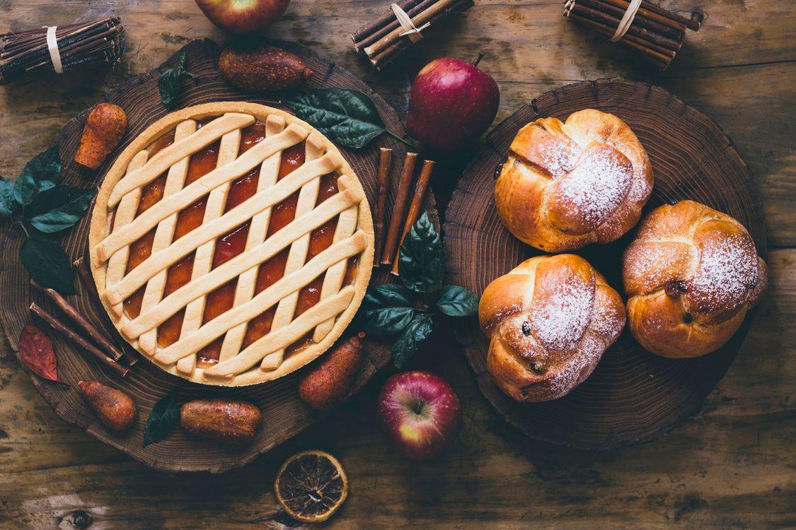 Фото бесплатно выпечка, пирог, яблоки, корица, еда