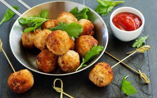 Фото бесплатно закуска, мясо, шарики, соус