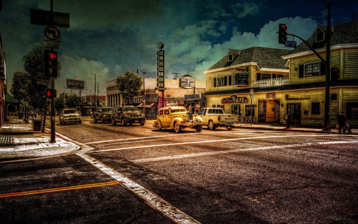Фото бесплатно автомобиль, город, ретро, улица, стиль, дорога, асфальт, трасса, разметка, старые дома, машины