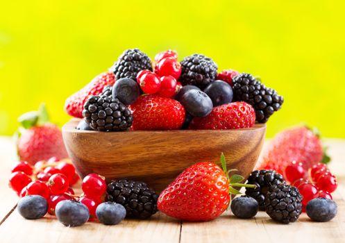 Photo free blackberries, currants, blueberries