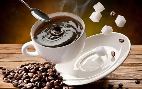 Летящая кружка с кофе
