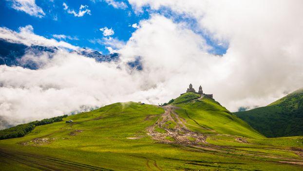 Заставки замок,цены расширенных лицензий,сельская местность,дневной свет,окружающая среда,поле,трава,пастбище,зеленый,холм,пейзаж,гора