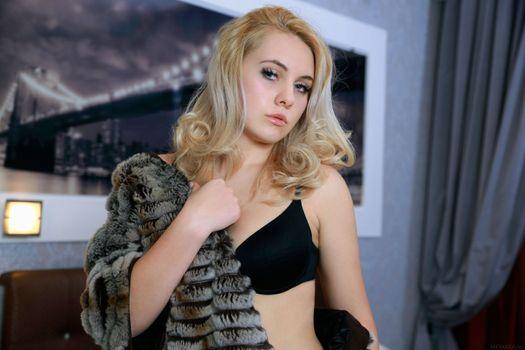 Фото бесплатно adenorah, блондинка, лифчик