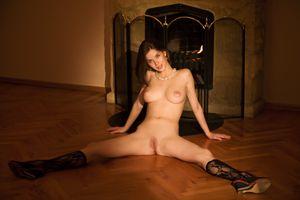Бесплатные фото Anita C,красотка,голая,голая девушка,обнаженная девушка,позы,поза