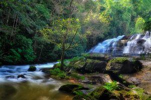 Фото бесплатно водопад, река, скалы лес, деревья, природа, пейзаж
