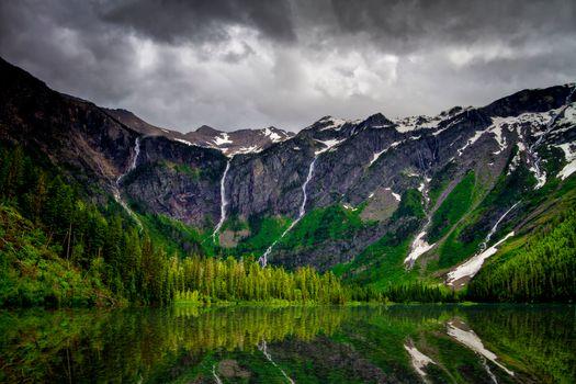 Бесплатные фото Озеро Лавина,Национальный парк Ледник,Avalanche Lake,Glacier National Park,горы,лес,деревья,тучи,природа,пейзаж