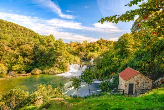Фото бесплатно река, водопад, водопады, домик, деревья, природа, пейзаж