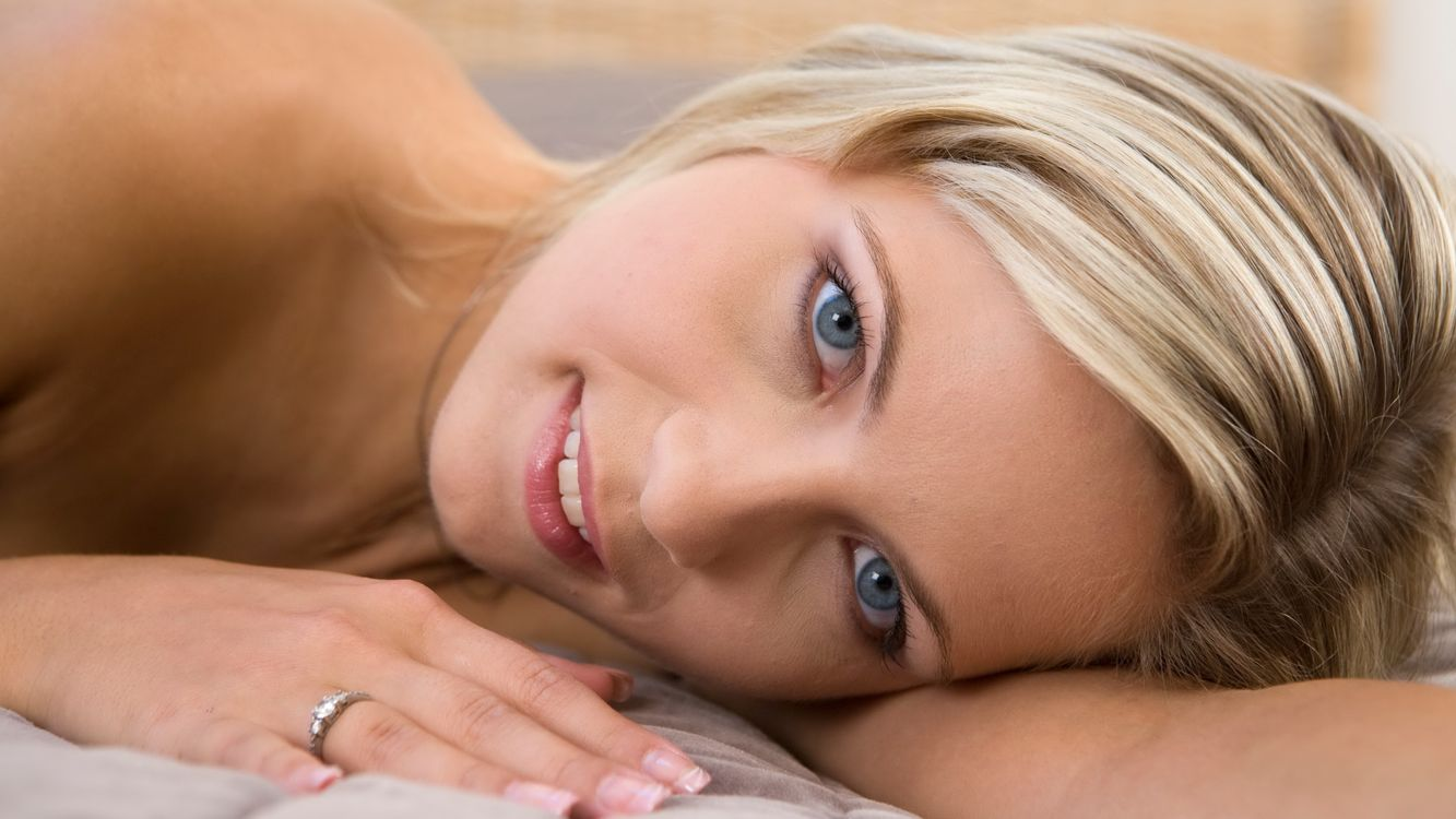 Обои Дженни, Дженни Грегг, Жанна п, лицо, блондинка, улыбка, Дженни kohoutova картинки на телефон