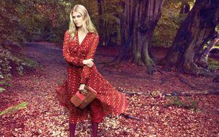 Бесплатные фото женщины, модель, красное платье, деревья, блондинка, женщины на открытом воздухе