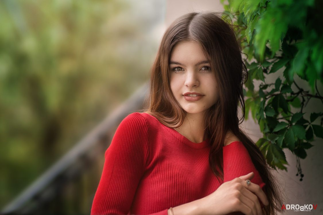 Шатенка Юлия и ее фотосет · бесплатное фото