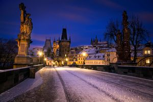 Мост зимой в Праге · бесплатное фото