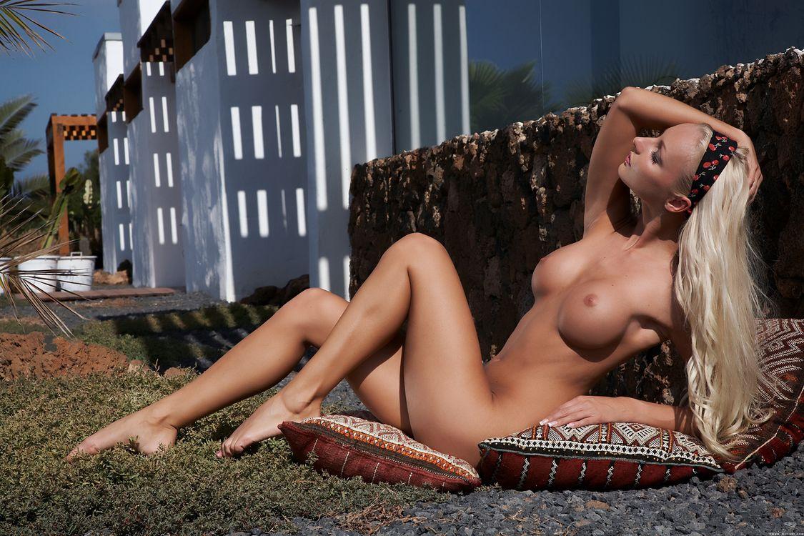 Фото бесплатно голая девушка, вероника симон, виктория круз - на рабочий стол