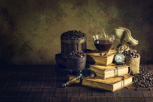 Натюрморт с книгами и кофе