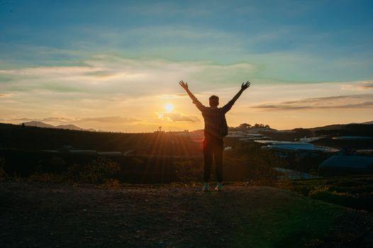 Бесплатные фото люблю,милый,портрет,красивый,счастливый,человек,солнце,небо,восход,закат солнца,горизонт,море