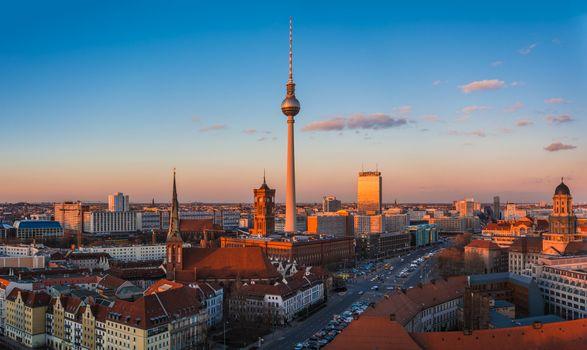 Download berlin city free wallpaper
