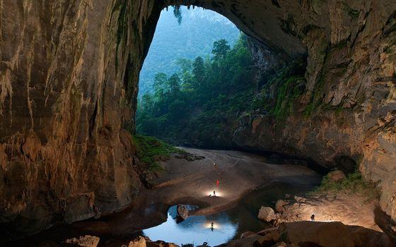 Фото бесплатно Пещера, вода, горы