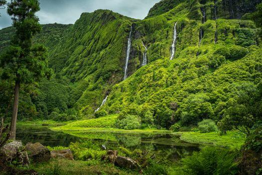Бесплатные фото Po o Ribeira do Ferreiro,Flores Island Azores,Portugal,Азорские острова,Португалия горы,водопад,деревья,пейзаж