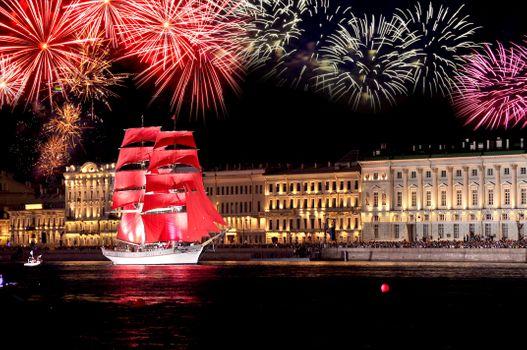 Бесплатные фото Санкт-Петербург,алые паруса,корабль,фейерверк,ночь