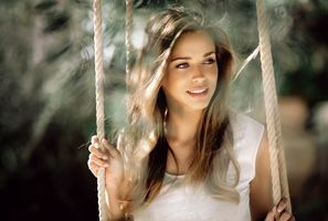 Фото бесплатно девушка на качелях, сексуальная девушка, красота