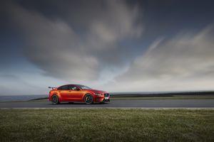 Фото бесплатно Jaguar XE SV Project 8, спортивные автомобили, оранжевая