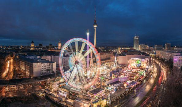 Фото телефон на берлин, берлин