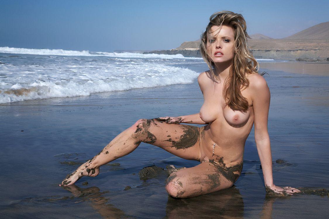 Никки Кейс эротическая богиня · бесплатное фото