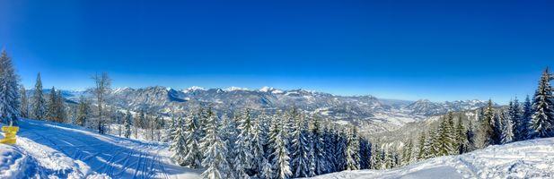 Фото бесплатно Зимняя панорама долины Кайзер и горы Кайзер вблизи Куфштайн, Тироль, Австрия, зима, деревья, природа, снег, сугробы, панорама, пейзаж