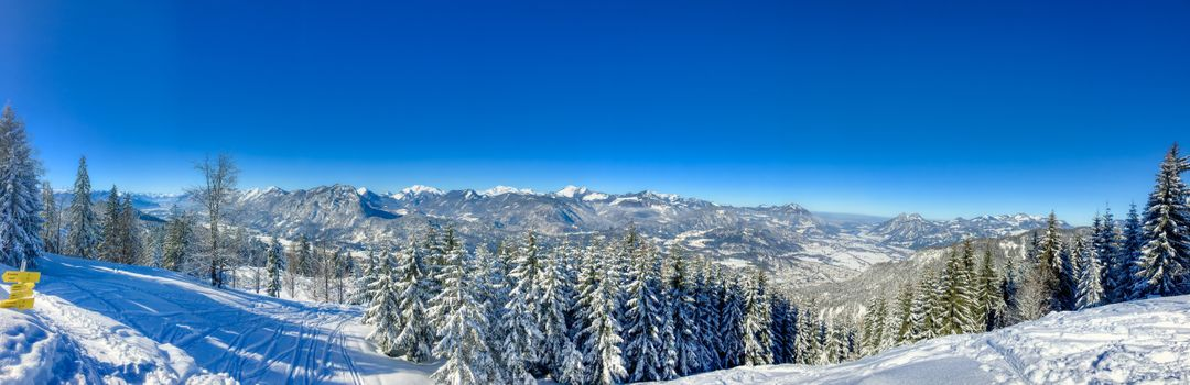 Photo free Winter panorama of the valley Kaiser and the Kaiser mountains near Kufstein, Tyrol, Austria