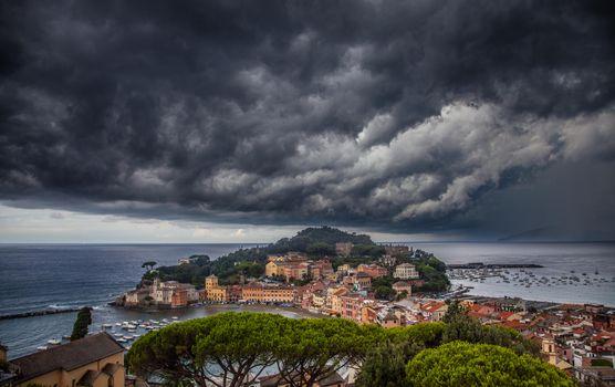 Бесплатные фото Итальянская Ривьера,город Сестри-Леванте,море,небо,тучи,пейзаж