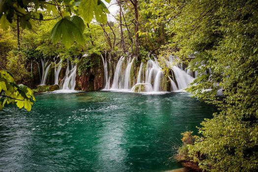 Водопад в Хорватии · бесплатное фото