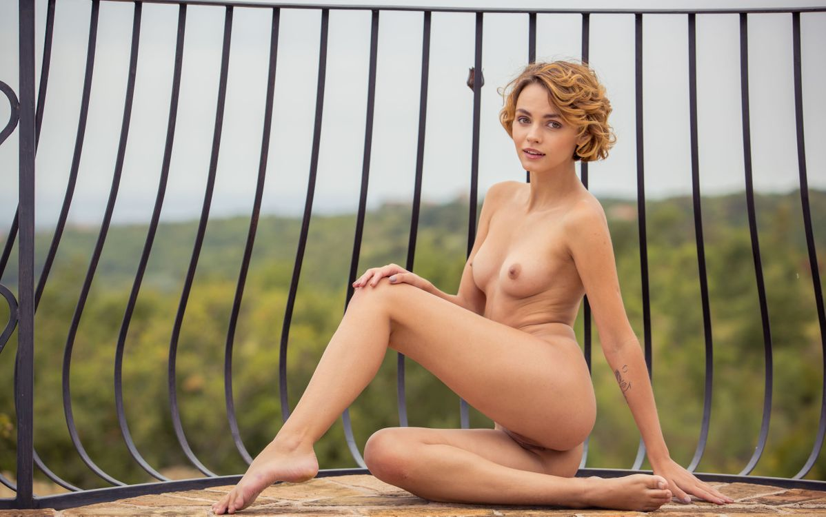 Фото бесплатно ariel, lilit a, ariela, rufina t, dirty blonde, outdoors, naked, boobs, tits, perky nipples, shaved pussy, labia, ass, smile, tattoo, hi-q, эротика