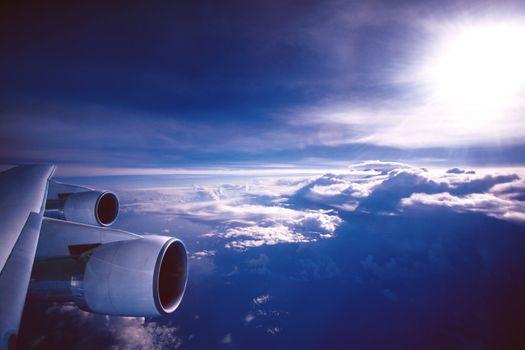 Фото бесплатно авиация, облака, двигатель