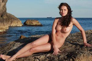 Бесплатные фото Liza J,красотка,голая,голая девушка,обнаженная девушка,позы,поза
