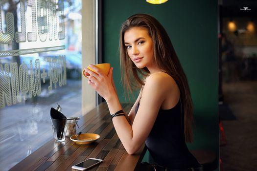 Photo free woman, sitting, portrait