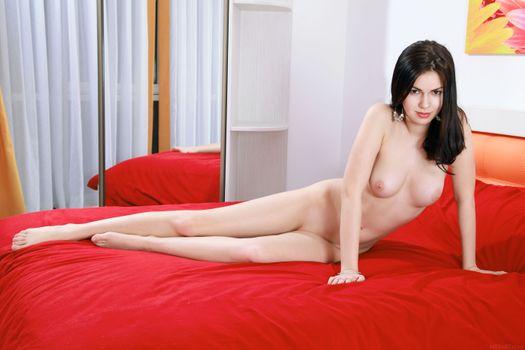 Каролина молодая красивая женщина