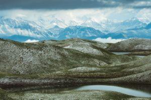 Вид на Алайский хребет и Чон-Алайскую долину · бесплатное фото