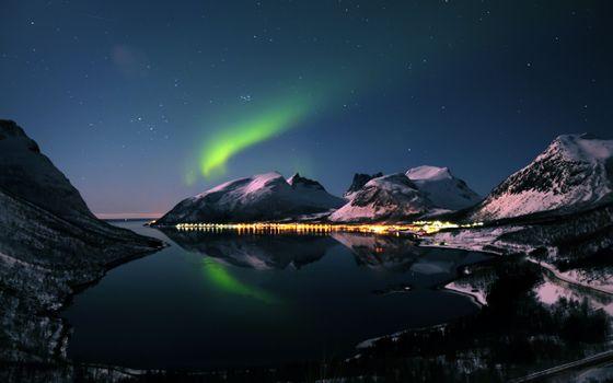 Photo free mountains, Northern lights, night