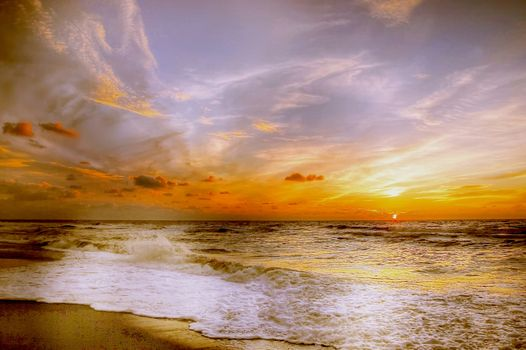 Закат на берегу океана