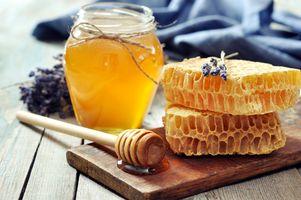 Медок из пчелиных сот · бесплатное фото
