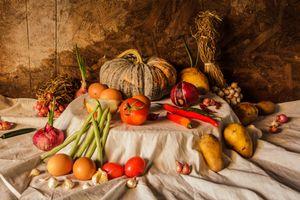 Осенний натюрморт с овощами · бесплатное фото