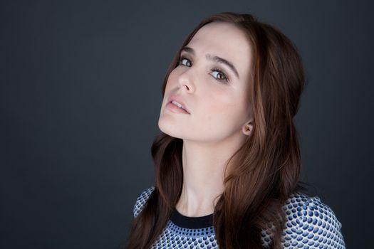 Photo free Zoey Deutsch, actress, pale skin