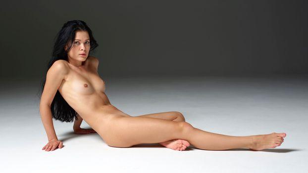 Фото бесплатно Amelie B, длинные волосы, твердые соски