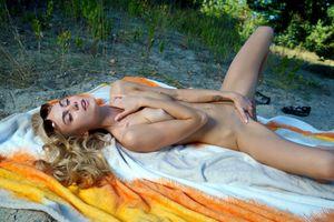 Бесплатные фото nancy a,jane f,erica,блондинка,на улице,голая,сиськи