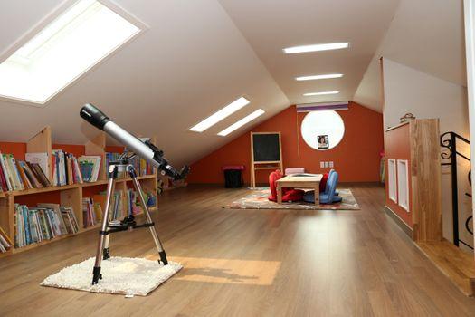 Бесплатные фото дерево,дом,пол,главная,потолок,зал,чердак,имущество,гостиная,комната,дизайн интерьера,дизайн