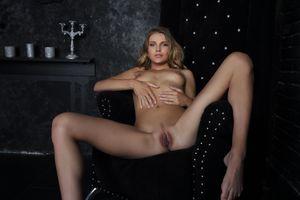 Бесплатные фото Elina De Leon,красотка,голая,голая девушка,обнаженная девушка,позы,поза