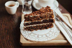 Фото бесплатно пирожное, шоколадное, орехи