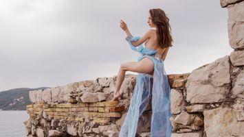 Бесплатные фото брюнетка,попка,море,альта Дебора,Дебора с